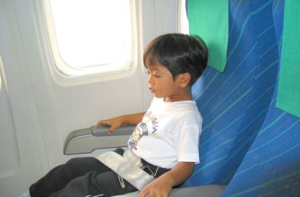 как лететь с маленьким ребенком в самолете